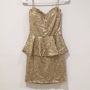 NWT gold sequined peplum cocktail dress Small